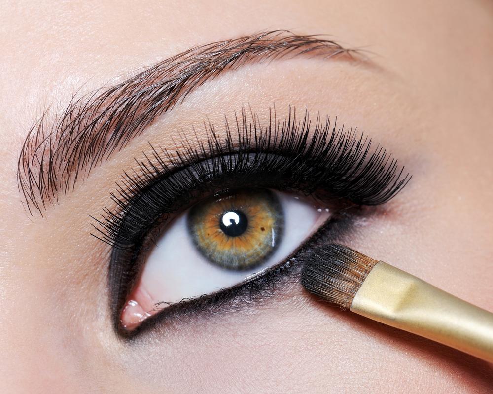 maquiagem_prejudicar_olhos